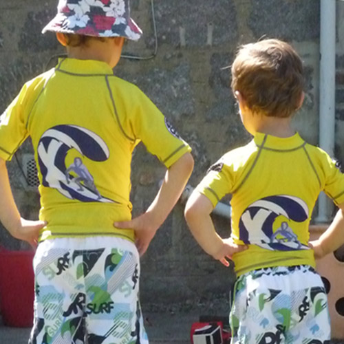 Junior Rash Vest with St Vedas Logo on back
